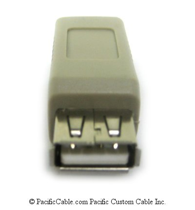 UA003 Adapter Type A Female to Type B Female